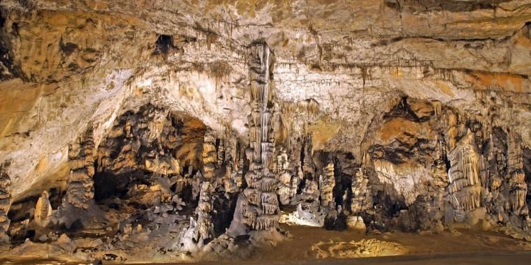 Előadás a Baradla-barlang csodáiról